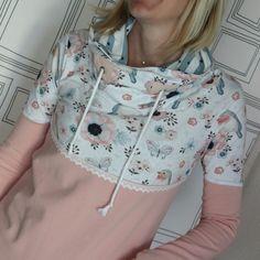 """Hoodie Pullover gefertigt von Die lustige Grille aus der Serie """"Vintage rose"""", Schnitt nach """"Missy"""" Melian's kreatives Stoffchaos"""