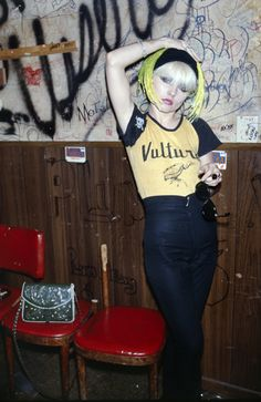 Debbie Harry Backstage at The Whiskey A Go Go, 1978 http://www.vogue.fr/photo/le-portfolio-de/diaporama/le-portfolio-de-brad-elterman/15071/image/817500#!9