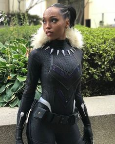 Black Panther from Marvel Comics by Cutiepiesensei Cosplay. - Marvel - Game of Thrones Black Halloween Costumes, Halloween Look, Halloween Cosplay, Halloween Makeup, Anime Halloween, Halloween Ideas, Vintage Halloween, Female Black Panther, Black Panther Costume