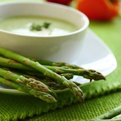 Creamy Winter Asparagus Soup – The texture of this soup comes from potatoes which makes it a healthy, filling alternative to cream-based soups. This hot winter soup recipe only requires 4 ingredients.