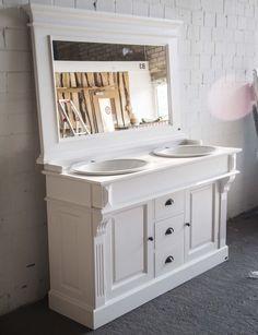 Badezimmer landhausstil weiss  Waschtisch weiß Landhausstil. | Badezimmer / bathroom | Pinterest ...