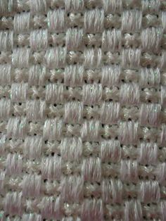 Great for baskets Needlepoint Designs, Needlepoint Stitches, Needlepoint Canvases, Needlework, Plastic Canvas Stitches, Cable Knit Throw, Different Stitches, Needle Case, Bargello