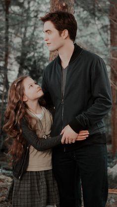 Twilight Bella And Edward, Twilight Renesmee, Edward Bella, Bella Cullen, Twilight Scenes, Twilight Saga Series, Twilight Pictures, Vampire Twilight, Twilight Cast