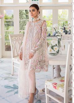 Freesia Suffuse by Sana Yasir Embroidered Zari Net Unstitched 3 Piece Suit AMORA - Eid Collection Pakistani Formal Dresses, Pakistani Fashion Party Wear, Pakistani Wedding Outfits, Eid Dresses, Pakistani Dress Design, Indian Dresses, Indian Outfits, Pakistani Gowns, Nikkah Dress