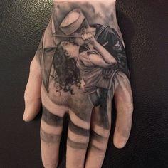 Astonishingly detailed hand tattoo