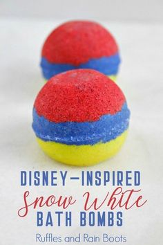These Snow White bath bombs have a surprise for any Disney princess fan! Learn how you can whip up this bath bomb recipe and delight any little princess today! Bath Bomb Molds, Lush Bath Bombs, Diy Bath Bombs, Bath Bombs Video, Disney Crafts, Disney Diy, The Body Shop, Homemade Beauty, Homemade Gifts