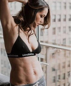 Brie Bella Shares Empowering Photo of Her Body After Baby: 9 Months Postpartum Nikki Bella Photos, Nikki And Brie Bella, Divas Wwe, Brie Bella Wwe, Hottest Wwe Divas, Fitness Models, Becky Wwe, Paige Wwe, Wwe Female Wrestlers