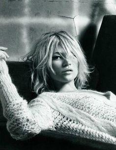 Kate Moss, sweater, blonde, bob, black and white, image, music, fashion