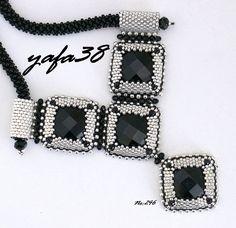 Pendant Jewelry, Jewelry Art, Handmade Necklaces, Handmade Jewelry, Beaded Necklace, Beaded Bracelets, Beaded Jewelry Designs, Beaded Ornaments, White Beads