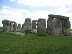 StoneHenge....I am planning a dream trip back to the UK...this is one stop...now I have to get my husband to agree