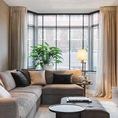 Binnenkijken | Pure klasse deze woonkamer. Ontdek de rest van het interieur in het decembernummer van Stijlvol Wonen. Project…