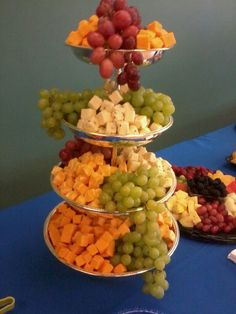 Fancy Cheese Displays for Parties Wedding Snacks, Dessert Bar Wedding, Wedding Reception Food, Fancy Appetizers, Wedding Appetizers, Appetizer Recipes, Fancy Baby Shower, Cheese Display, Cheese Trays