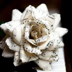 Paper Flowers - 21 Inspiring Inspirations - www.weddzer.com