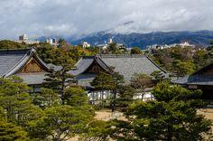 Mt. Hiei-zan from Nijojo Castle, Kyoto / 二条城と比叡山(京都)
