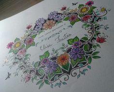 Colorido com canetas glitter e lápis