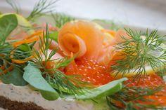 Kulinaari: Saaristomeren kylmäsavulohi-tuorejuustokakku