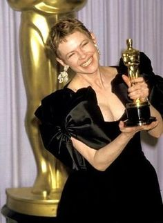 """Dianne Wiest - Best Supporting Actress Oscar for """"Hannah and Her Sisters"""" 1986"""