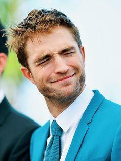 Robert Douglas, I Robert, Edward Cullen, Robert Pattinson Twilight, Most Handsome Men, Twilight Saga, Dream Guy, Sexy Men, Laughter