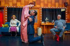 Mindent Áváról Theatre