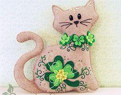 Cat Stuffed Animal Pattern – Felt Plushie Sewing Pattern & Tutorial – Shamrock the St. Patrick's Day Cat – Embroidery Pattern PDF – St Patrick's Day Crafts DIY Sewing Stuffed Animals, Stuffed Animal Cat, Stuffed Animal Patterns, Cat Crafts, Sewing Crafts, Sewing Projects, Food Crafts, Sewing Toys, Paper Crafts