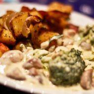 Brokolice s nivovo-houbovou omáčkou recept Chicken, Meat, Food, Essen, Meals, Yemek, Eten, Cubs