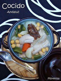 Hoy nos apetece un plato tradicional de invierno, con cuchara y calentito.  Así que preparamos un cocido contundente en olla express para ...