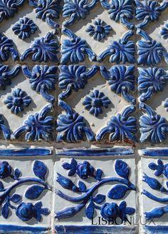 Blue and white Portuguese Culture, Portuguese Tiles, Tile Panels, Antique Tiles, Tuile, Tiles Texture, Tile Art, Tile Patterns, Tile Design