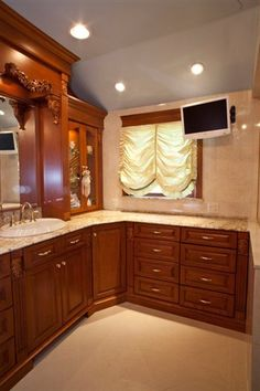 Custom Cabinets | Custom Entertainment Units | Custom Mantels | Long Island  | NYC | CT