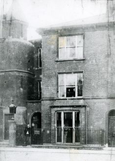Sir Arthur Conan Doyle, creator of Sherlock Holmes, outside his medical practice in Elm Grove, Southsea, Portsmouth UK. The house is no longer there. Sir Arthur, Arthur Conan Doyle, Mystery Of History, Local History, Claude Monet, Old Pictures, Old Photos, Portsmouth England, Hampshire Uk
