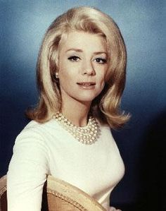 Inger Stevens.  She wore her dimples so well!  Such a lovely, lovely lady.  Oh why did she take her own life?  ~ Libby