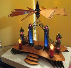 DAMASU-Info-Blog: Eine Straßenpyramide mit Motor und Licht! Motor, Candles, Blog, Tutorials, Wood Art, Candy, Blogging, Candle Sticks, Candle