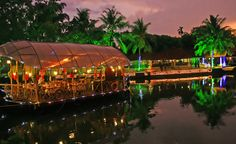 HAVE A DELIGHTFUL EXPERIENCE ON KERALA HOUSEBOATS