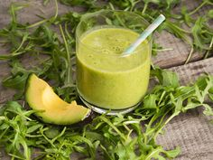Smoothie mit Rucola und Avocado Avocado Smoothie, Smoothie Bowl, Superfoods, Lassi, Cantaloupe, Juice, Weight Loss, Fruit, Bowls