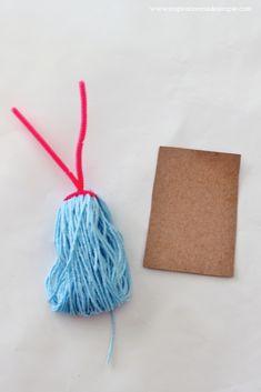 Yarn monsters for kids: easy craft tutorial - darice Easy Yarn Crafts, Diy Crafts Videos, Craft Tutorials, Craft Ideas, Crafts For Kids To Make, Diy Crafts To Sell, Kids Crafts, Yarn Monsters, Diy Crafts For Bedroom