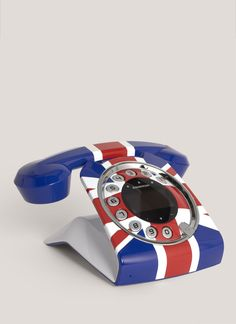 Allo love! (#unionjack phone)