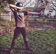Josh Dun has a bow! <3