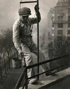 François Kollar - Le peintre en bâtiment, 1932.