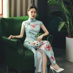 Sexy Outfits, Fashion Outfits, Cheongsam Dress, Chinese Style, Traditional Dresses, Unique Fashion, Satin, Frocks, Asian Beauty