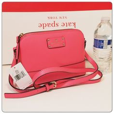 """New Kate Spade pink leather Hanna Crossbody 100% authentic. Peony pink boarskin embossed cowhide with 14-karat light gold plated hardware. Inside slip pocket. Zip top closure and fabric lining. Adjustable strap with 17""""-23"""" drop. Measures 9"""" (L) x 6.5"""" (W) x 3"""" (W). Brand new with tags. Comes from a pet and smoke free home. kate spade Bags Crossbody Bags"""