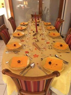 Our Thanksgiving table highlighted with a Garnier Thiebaut tablecloth