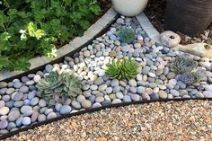 River Stones, Paving Stones, Stepping Stones, Garden Stones, Garden Paths, Used Wedding Decor, Front Yard Patio, Used Furniture For Sale, Landscaping Supplies