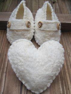 White Baby Shoes - Merino and Silk. #shoes #baby