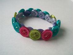 Armband basteln  armband-aus-knöpfen-selber-machen- kreative ideen - Basteln mit ...