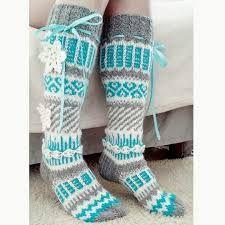 Bilderesultat for anelmaiset Crochet Boot Socks, Wool Socks, Crochet Slippers, Knitting Socks, Knit Crochet, Crochet Hats, Old Man Clothes, Knitting Projects, Crochet Projects