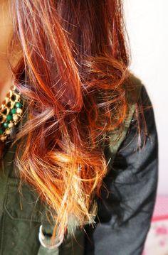 Ombre hair red. Des cheveux roux et blond, un ombre hair réalisé sur des cheveux teints au henné (coloration végétale). Le résultat en photo à découvrir sur le blog.  #Ombrehair #Cheveux #Henne