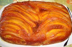 O Bolo de Banana Caramelizada é delicioso, fácil de fazer e perfeito para o lanche da sua família. Faça hoje mesmo! Veja Também: Bolo Pudim de Laranja Veja
