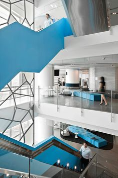 PTTEP Headquarters, Bangkok, Thailand designed by HASSELL :: casual seating areas built to inspire Interior Color Schemes, Office Interior Design, Bureau Design, Corporate Interiors, Office Interiors, Workplace Design, Corporate Design, Commercial Design, Commercial Interiors