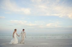 Jennifer & Nick! Sign up now ♥ http://www.eharmony.com/social/?cid=68306&aid=7000  Sanibel Wedding by Luminaire Foto (1)