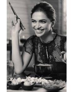 Hollywood Actresses, Indian Actresses, Dipika Padukone, Deepika Padukone Style, Kareena Kapoor Khan, Ranbir Kapoor, Cute Art Styles, Vintage Bollywood, Bollywood Celebrities