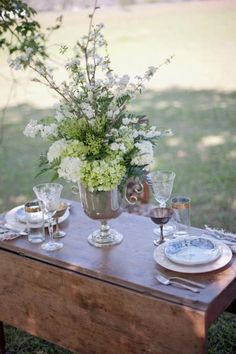 drop-leaf wonder---can't you see a vintage page runner as a table scarf on this setting for two